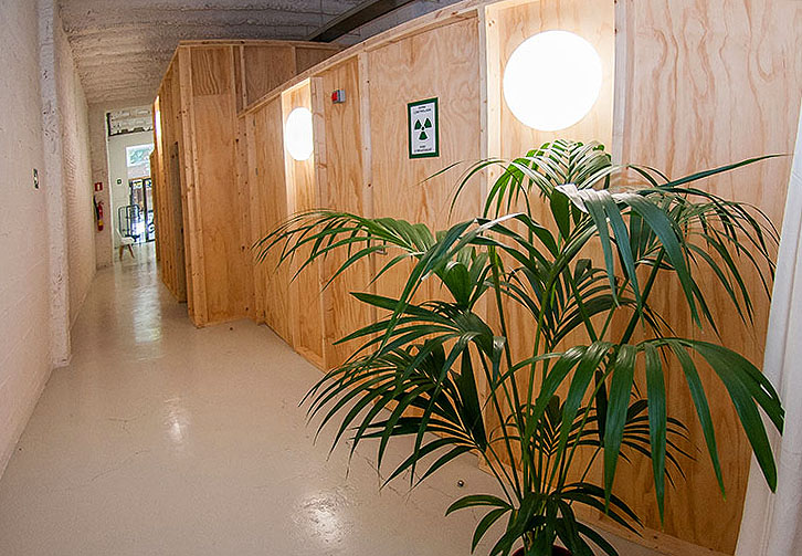 Passadís d'accés a les consultes i recepció (panoràmica interna)